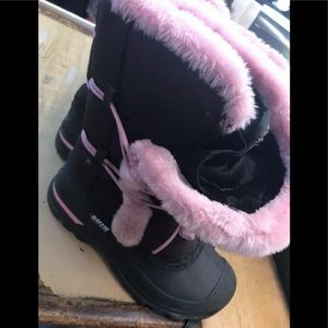 Other - BAFFIN CUTE SNOW BOOTS! GIRLS SZ 3